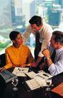 商业交流0251,商业交流,商业金融,讨论 工作 三个人