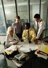 商业交流0274,商业交流,商业金融,工作室 讨论 站着