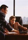 商业交流0286,商业交流,商业金融,一男一女 坐在桌子上的男子 手提电脑