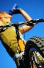 登山运动0131,登山运动,运动,喝水 车轮 饮料 口渴 汗水