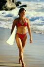 休闲运动0050,休闲运动,运动,海浪 比基尼 步行