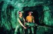 工业生产0080,工业生产,工业,矿井 工人 钻入