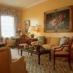 客厅0101,客厅,装饰,大型挂画 绞纹地毯 黄色墙壁