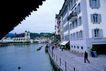 瑞士风情0007,瑞士风情,世界风光,河边 水上 建筑 行人 漫步