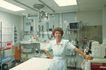 治疗护理0103,治疗护理,医学医药,女医生 医疗室 设备
