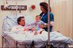 治疗护理0104,治疗护理,医学医药,爸爸住院  妈妈  孩子  看望