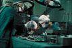 治疗护理0106,治疗护理,医学医药,医生 戴口罩 手术台灯