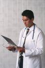治疗护理0151,治疗护理,医学医药,医生 看病历 大夫