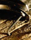抽象物品0174,抽象物品,抽象,木头 铁钉 半截弯曲