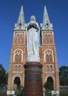 越南老挝柬埔寨0176,越南老挝柬埔寨,世界风光,大理石底柱 白色雕塑 尖塔楼