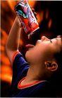 中国广告0090,中国广告,艺术,动作 小孩 饮料