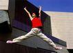 中国广告0122,中国广告,艺术,跳跃 伸展 T恤 胶鞋 家门口