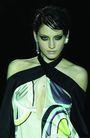 伦敦2004女装秋冬新品发布会0223,伦敦2004女装秋冬新品发布会,服装设计,露肩装 国际模特