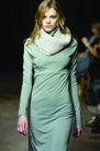 伦敦2004女装秋冬新品发布会0238,伦敦2004女装秋冬新品发布会,服装设计,长裙 围巾