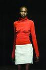 伦敦2004女装秋冬新品发布会0239,伦敦2004女装秋冬新品发布会,服装设计,红衣 长袖衣 黑人模特