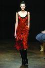 伦敦2004女装秋冬新品发布会0246,伦敦2004女装秋冬新品发布会,服装设计,红色 大U领 连衣裙