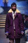 米兰2004秋冬新品发布会0234,米兰2004秋冬新品发布会,服装设计,紫色上衣