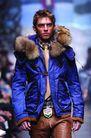 米兰2004秋冬新品发布会0239,米兰2004秋冬新品发布会,服装设计,蓝色上衣 毛边