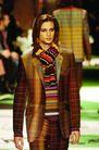 米兰2004秋冬新品发布会0247,米兰2004秋冬新品发布会,服装设计,围巾 条纹 格子