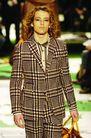 米兰2004秋冬新品发布会0249,米兰2004秋冬新品发布会,服装设计,卷发 大格子 套装