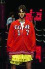 里约热内卢2004女装秋冬新品发布会0159,里约热内卢2004女装秋冬新品发布会,服装设计,红色上衣