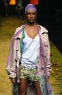 里约热内卢2004女装秋冬新品发布会0171,里约热内卢2004女装秋冬新品发布会,服装设计,混搭风潮 丝头巾 长外套