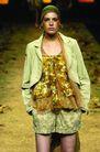 里约热内卢2004女装秋冬新品发布会0176,里约热内卢2004女装秋冬新品发布会,服装设计,金红腮红 草原风格 绿色休闲外套