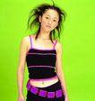 港台明星0110,港台明星,服装设计,黑背心 紫色背带 紫色方块腰带