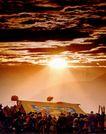 中国风情0307,中国风情,中国图片,光芒 云层 人群