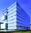 斯洛文尼亚0023,斯洛文尼亚,世界建筑设计,蓝色黄昏 多窗建筑 三个阳台