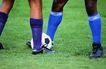 球类运动0109,球类运动,运动,草地 足球 两名运动员