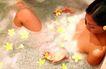 巴黎岛温泉0172,巴黎岛温泉,休闲保健,泡泡浴 头戴花朵 小黄花