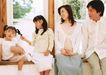 快乐家庭0198,快乐家庭,家庭情侣,白色袜子 阳台 浅蓝色裙子