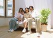 快乐家庭0199,快乐家庭,家庭情侣,白色拖鞋 地板 室内盆景