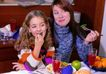 全家福0024,全家福,家庭情侣,母女 玩具 桌子