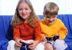 全家福0028,全家福,家庭情侣,姐弟 玩游戏 沙发