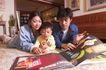 温馨家庭0161,温馨家庭,家庭情侣,看书