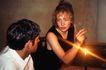 两人世界0102,两人世界,家庭情侣,一支蜡烛 坐着 女士抽烟