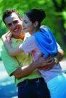 情侣生活0107,情侣生活,家庭情侣,男士搂女士腰 在路上 拥抱笑