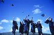 激动时刻0051,激动时刻,生活方式,蓝天下 毕业了 扔掉帽子