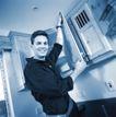 劳动创造0016,劳动创造,生活方式,中年男人 黑白 测量 橱窗 豪华