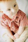 新生婴儿0108,新生婴儿,儿童教育,白皮肤 蓝眼睛 红格短袖