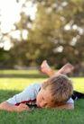 童趣0010,童趣,儿童教育,悠闲 睡觉 伤心 平头男孩 阳光季节