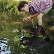 童趣0032,童趣,儿童教育,水池 树枝 在野外