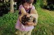 童趣0046,童趣,儿童教育,抓着一只蟾蜍