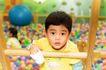 儿童玩耍0066,儿童玩耍,儿童教育,木架 梯子 气球
