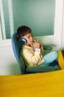 学前教育0028,学前教育,儿童教育,桌子 耳机 靠椅