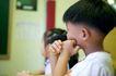 儿童启蒙0019,儿童启蒙,儿童教育,握手 紧捏 教育 听课 细心