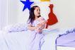 儿童游戏0013,儿童游戏,儿童教育,洋娃娃 星星 抱起 年纪 责任