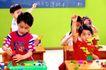 儿童游戏0031,儿童游戏,儿童教育,黑板 课桌 提问